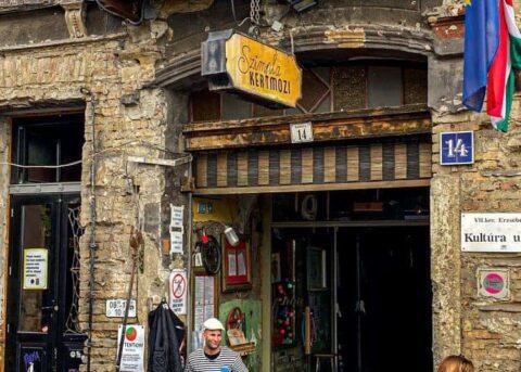 Budapest ruin bars